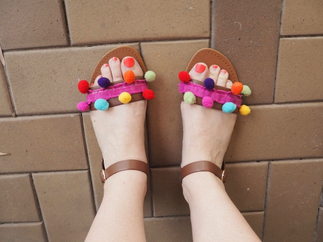 make your own pom pom sandals