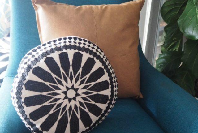 stylish round cushions for decorating