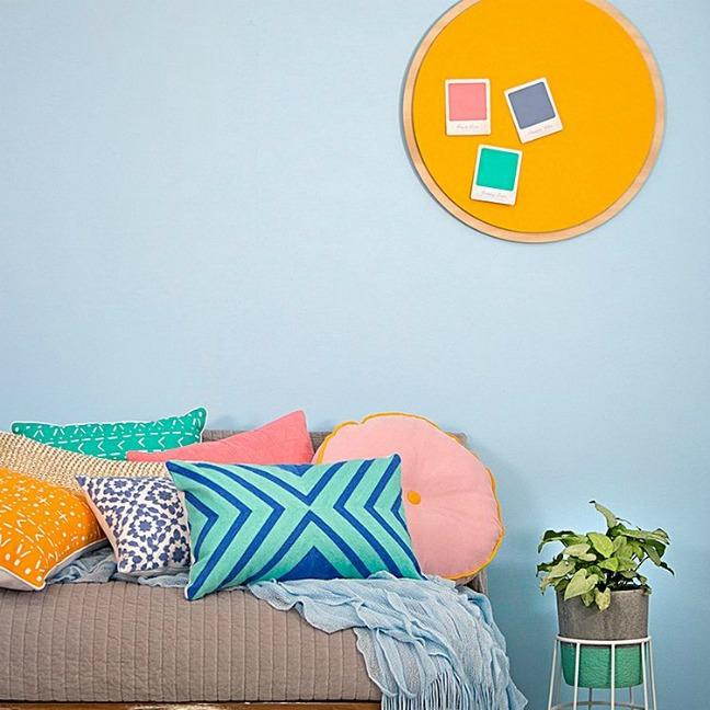 Spot round cushion
